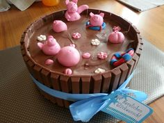 Schweine im Matschfass