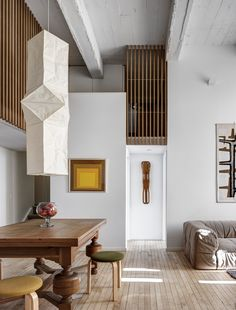 || jennifer hanlin | cobble hill apartment living room | photo by bruce buck