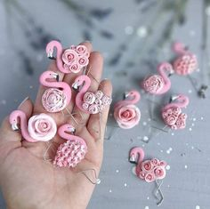 30 New ideas for jewerly ideas fimo Polymer Clay Kunst, Cute Polymer Clay, Fimo Clay, Polymer Clay Projects, Polymer Clay Charms, Polymer Clay Creations, Polymer Clay Jewelry, Clay Crafts, Diy And Crafts