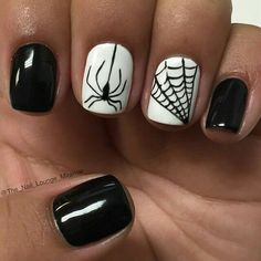Halloween Nails - Cute and Spooky Halloween Nail Art Designs Ongles Gel Halloween, Halloween Nail Designs, Halloween Nail Art, Cute Nail Designs, Spooky Halloween, Halloween Party, Halloween Halloween, Halloween Makeup, Witch Makeup