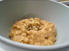 Pumpkin Oatmeal - The Corner Kitchen. Had this for breakfast this morning and OH MY it is yummy! :)