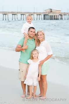 Smocked Auctions: Tips for Managing a Beach Photo Session with Kids this was a great list and we have a photo shoot on the beach next week!