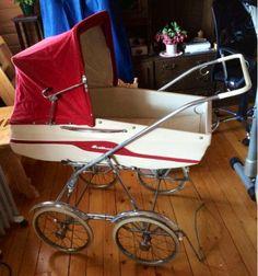 Retro Svithun Pram Stroller, Baby Strollers, Vintage Pram, Prams And Pushchairs, My Favorite Color, Kids And Parenting, Retro, Barn, Dolls
