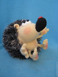 Amigurumi hedgehog. (Pattern available to purchase but not in English).