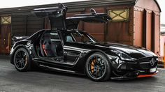The Mercedes SLS Gullwing was unveiled at the Frankfurt Motor Show in 2009 and went into production in It is a two door grand tourer that has a distinctive wing style door opening. Supercars, Vw Bus, Mercedes Benz Sls Amg, Benz Gts, Porsche, Automobile, Car Wallpapers, Koenigsegg, Luxury Cars