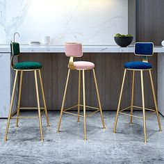 Did someone say modern bar stool? This barstool brings that level of leisurely lifestyle to any home situation. Whether you're pulling up to a gilded bar, or to your kid's treehouse, you'll look great doing it. Bar Stool Seats, Bar Chairs, Lounge Chairs, Used Chairs, Metal Chairs, Salon Furniture, Furniture Making, Plywood Furniture, Modern Furniture
