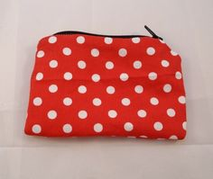 Red and White Polka Dot Fabric Coin Purse - Free P £5.00. Like the black zip on this.