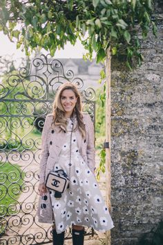 Gal Meets Glam Barnsley House - Burberry trenc, Kate Spade dress, c/o, Hunter… Preppy Outfits, Preppy Style, My Style, Girl Meets Glam, Modest Fashion, Fashion Outfits, Style Snaps, Everyday Outfits, Chic