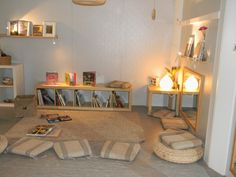 love the room designs on this page.  Reality beats: AMBIENTES: ESCOLA CONGRÉS-INDIANS
