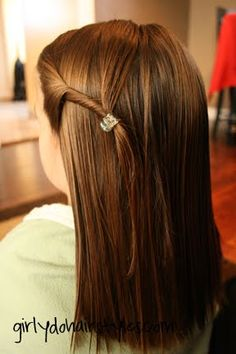 Girly Do's By Jenn: Simple Twist