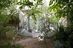 Freunde von Freunden — Armelle de Sainte Marie — Artist, Studio, Le Chapitre, Marseille — http://www.freundevonfreunden.com/workplaces/armelle-de-sainte-marie/