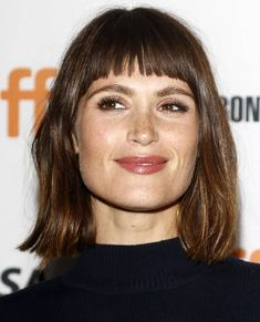 Gemma Arterton at the premiere of The Girl with All the Gifts at the Ryerson Theatre during the Toronto International Film Festival in Toronto Canada on September 14 2016 Haircuts For Long Hair, Haircuts With Bangs, Long Bob Hairstyles, Fringe Hairstyles, Trending Hairstyles, Asymmetrical Hairstyles, Work Hairstyles, Baddie Hairstyles, Updo Hairstyle
