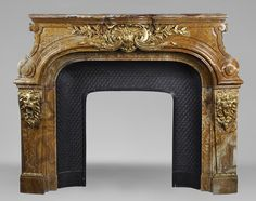 Extraordinary antique Louis XIV style fireplace with lions heads in Alabastro di Busca and gilded bronze - Marble Louis Xiv, Antoine Bourdelle, Alabaster Stone, Stove Fireplace, Bronze, Architectural Antiques, South Of France, Large Art, Versailles