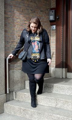 I wanna rock, rock 'm roll plus size fashion spring / wide fit overknee boots / all black outfit / / size 20 Fat Fashion, Plus Size Fashion, Fashion Outfits, Womens Fashion, Fashion Spring, Biker Outfits, Steampunk Fashion, Ladies Fashion, Gothic Fashion