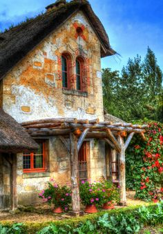 Cottage, le Petit Trianon, Versailles...I want to see this cottage where Marie Antoinette pretended to be a peasant woman.