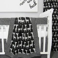 Giraffe Nursery Theme: this black and white giraffe blanket is so cute! This nursery bedding would work for a baby boy OR girl. Loving the modern print! Giraffe Blanket, Crib Blanket, Baby Crib Bedding Sets, Nursery Bedding, Nursery Themes, Nursery Decor, Nursery Ideas, Room Ideas, Baby Boy Or Girl