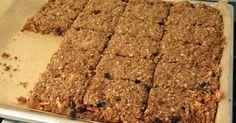 Dit super simpele recept is een heerlijk alternatief op ontbijtkoek (zit namelijk bomvol suiker) en vult lekker: 150 gr. havermout/hav...
