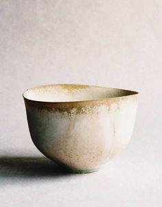 White tea bowl by Tabuchi Taro
