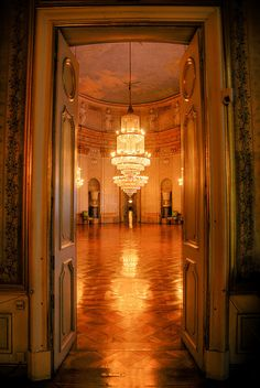 Ludwigsburg Palace Main Gallery (Marmorsaal), via Flickr.