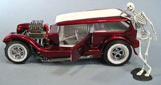 Li'l Coffin built-up Model Cars Kits, Kit Cars, Custom Hot Wheels, Custom Cars, Model Cars Building, Monogram Models, T Bucket, Plastic Model Cars, American Gothic