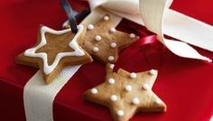 Traditional in Germany at Christmas, these sweet cookies are full of spice. Use them as edible gift tags, too Lebkuchen Peanut Cookies, Spice Cookies, Sweet Cookies, Chip Cookies, Xmas Food, Christmas Cooking, Christmas Christmas, Christmas Recipes, Christmas Ideas