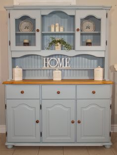 Blue Farmhouse / Welsh Dresser www. Blue Farmhouse / Welsh Dresser www. Shabby Chic Kitchen, Farmhouse Kitchen Decor, Shabby Chic Homes, Shabby Chic Decor, Rustic Farmhouse, Farmhouse Style, Refurbished Furniture, Shabby Chic Furniture, Furniture Makeover