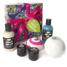 Hello Gorgeous set, $39.95 (has Rub Rub Rub & Lemon Flutter, Sakura Bath Bomb & more!)