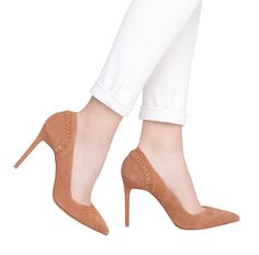 caramel suede pump <3 ankle strap camel shoes and white jeans