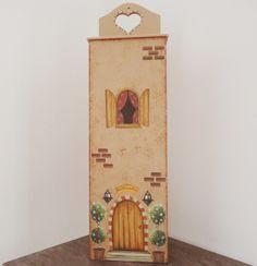 PRONTA ENTREGA.  Puxa sacos longo em MDF de ótima qualidade, pintura em Bege Rosado, esponjado em Marrom Claro, detalhes em 3D. Envernizado para melhor conservação. R$ 48,00