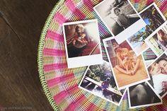 Boa ideia para expor as fotos de família. Mais em www.historiasdecasa.com.br #diy #ideas #basket #decor