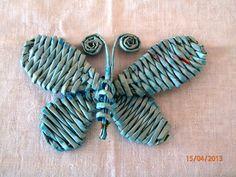 """Motýl - pleteno z papírových """"proutků"""""""