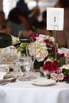 Tischdeko blumen einfach  Tischdekoration für die Hochzeit selber gestalten geht ganz ...