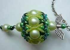 This is a gorgeous bead! Beaded bead schema - the hardware turns this into a quick pendant. #Seed #Bead #Tutorials