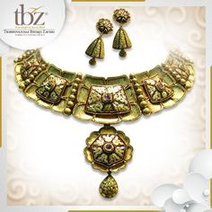 On a scale of 1 to 5 how would you rate this breathtaking Azvaa jewellery set? 'Comment' below and tell us. #goldrateindia #goldratetoday