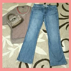 """JOE'S Rocker Jeans 30x33 JOE'S Rocker Jeans. These jeans are a medium wash called """"Miles"""". They feature slight factory distressing which I love! These jeans have a very strait look to them, giving them a tomboy appeal. They could work for either men or women.  Gently worn. There is some wear on the bottom pant cuffs (shown in last photo). These jeans are otherwise in terrific condition! And for the price? Yes please!!!  (Jeans only, accessories not included*) Joe's Jeans Jeans Boot Cut"""