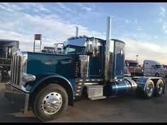 Semi Trucks, Big Trucks, Trucker Quotes, Peterbilt 389, Instagram And Snapchat, Watch V, Cool Pictures, Teal, Rigs