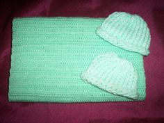 preemie+pastel+green+crochet+blanket+plus+2+knitted+winter+hat+handmade