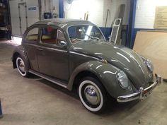 VW Beetle 1962 Ragtop  (AutosVanToen) My first car!