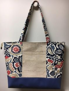 This is a nice basic pattern for beginners or even advanced bag makers. I have two sizes. The full size Hapai (beach bag size) and the Mini (handbag size) Embe crafts canvas, Hapai Tote PDF Pattern Bag Patterns To Sew, Tote Pattern, Pattern Fabric, Cork Fabric, Patchwork Bags, Denim Bag, Bag Making, Fabric Crafts, Purses And Bags