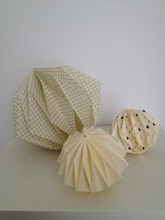 Up the Wooden Hills origami balls http://www.upthewoodenhills.com/origami
