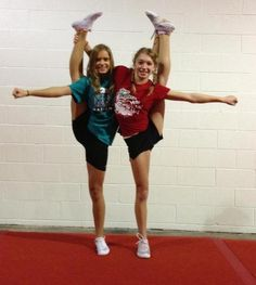 Cheerleading. Follow me in my TWITTER: @nayviessgarcia y te doy Follow aqui :D