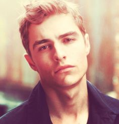 Dave Franco. Oh. Yah yah yah <3 I'll take both Francos please and thank you Dave Franco, Perfect People, Pretty People, Perfect Man, Ryan Gosling, Franco Brothers, Leonardo Dicaprio, Cute Celebrities, Celebs