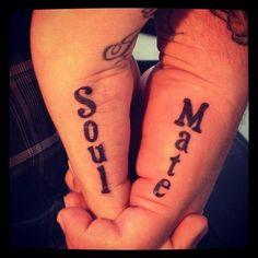 Simple Wedding Ring Tattoo Ideas for Couple . Simple Wedding Ring Tattoo Ideas for Couple . Seelenverwandter Tattoo, Tattoo Ringe, Get A Tattoo, Tattoo Quotes, Small Tattoo, Couple Tattoos Love, Love Tattoos, New Tattoos, Tatoos
