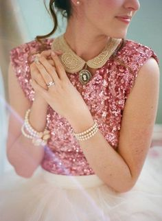 pink sequin tip with gold peter pan collar and cameo brooch, pearls and tulle skirt. Feminine, a beautiful combination of textiles and textures! so pretty. Sparkling Stars, Feminine Style, Girlie Style, Feminine Fashion, Women's Fashion, Pink Christmas, Merry Christmas, Carrie Bradshaw, Color Rosa