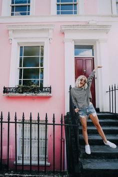 Stroll Through Notting Hill. AspynOvard.com
