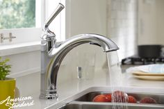 American Standard Portsmouth® 1-Handle Pull-Out Kitchen Faucet
