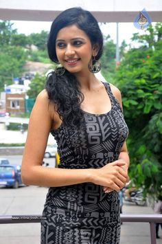 Beautiful Bollywood Actress, Most Beautiful Indian Actress, Beautiful Actresses, Bollywood Wallpaper, Girl Friendship, Beautiful Figure, India Beauty, Selfish, Indian Actresses