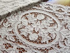 Antique Handmade Needle Lace Point Venise 8 Placemats White FLOWERS & FRUIT