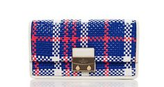 we're crazy for this picnic-perfect basket weave clutch. you?