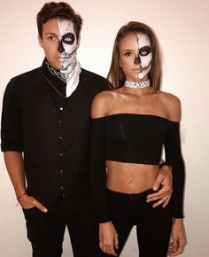 Easy Couple Halloween Costume Ideas: 32 Easy Couple Costumes To Copy That Are Perfect For The College Halloween Party Halloween Makeup halloween makeup couples Easy Couple Halloween Costumes, Halloween 2018, Easy Couples Costumes, Looks Halloween, Hallowen Costume, Costumes For Women, Couple Costume Ideas, Easy College Halloween Costumes